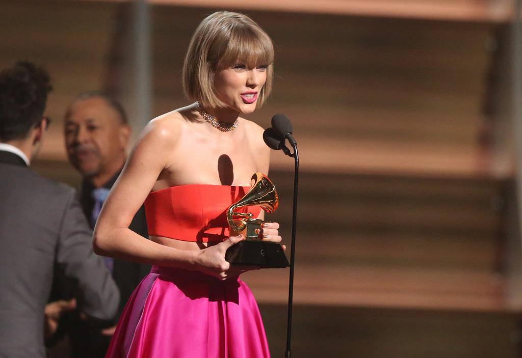 Taylor Swift ist die grosse Abräumerin des Abends mit drei Grammys