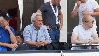 FC Wohlen: Ratlose treue Fans des FCW beim «Räberhüsli».