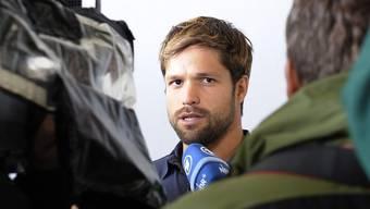 Diego erklärt Journalisten, dass er einen neuen Klub suchen muss