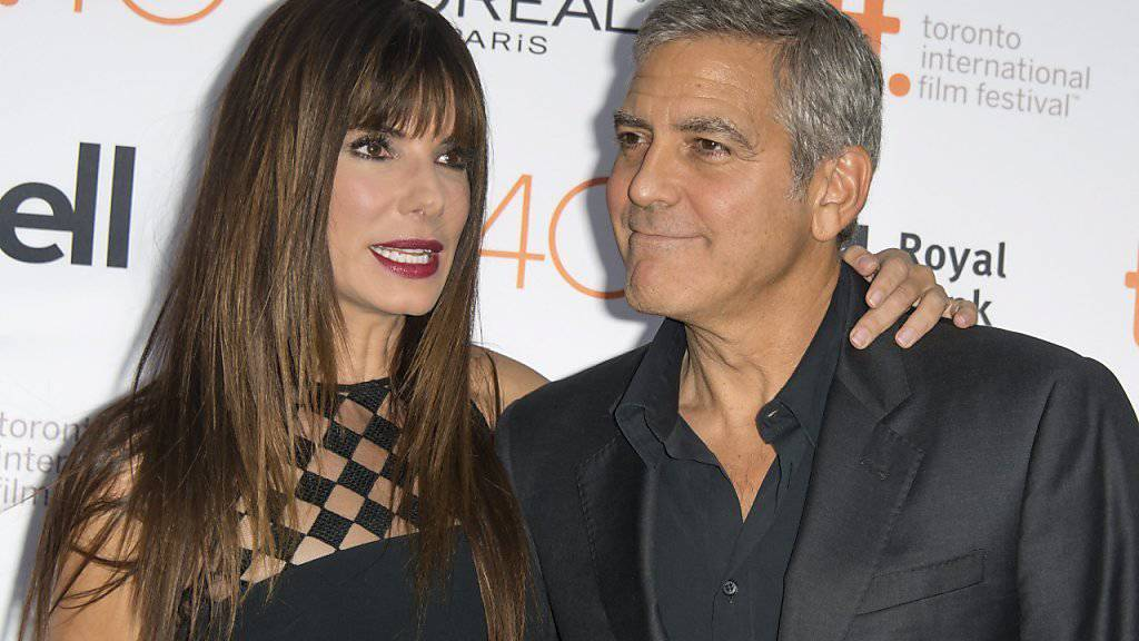 Beste Freunde: Sandra Bullock und George Clooney am Freitag am Toronto International Film Festival.