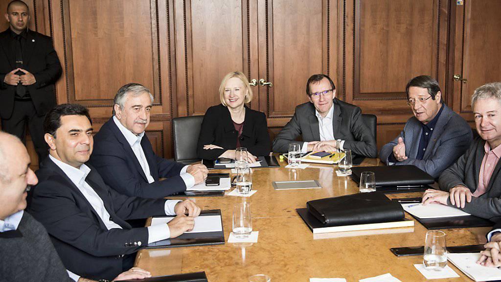 Streitparteien im Zypern-Konflikt können sich bei den Gesprächen auf Mont Pèlerin offenbar nicht einigen.