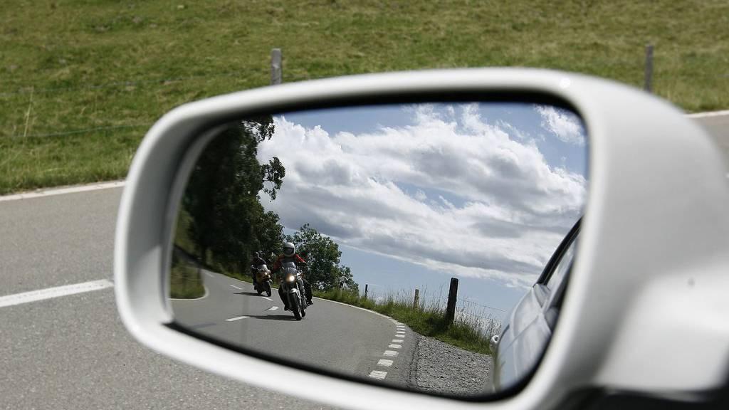 Ein aufmerksamer Motorradfahrer verhinderte in Degersheim Schlimmeres.