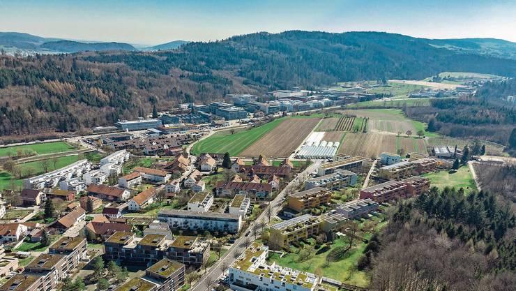 Auf dem Galgenbuck (obere Bildhälfte) soll anstelle von Landwirtschaftsland neuer Wohnraum entstehen.