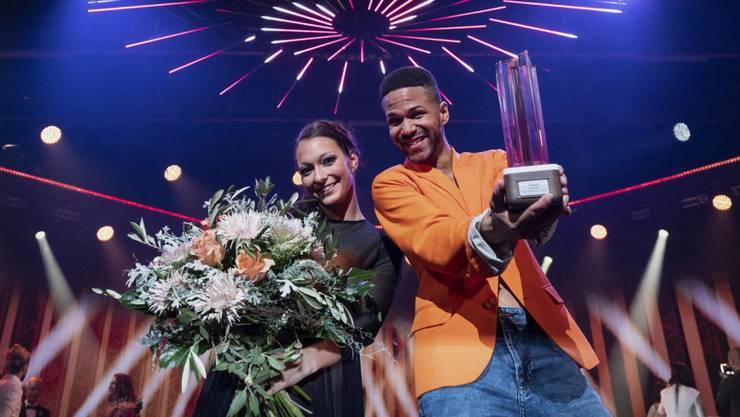 Flavia Landolfi und Jesse Ritch feiern ihren Sieg.