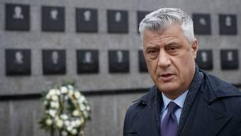 Wegen schwerer Kriegsverbrechen und Verbrechen gegen die Menschlichkeit angeklagt: Hashim Thaci.