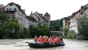 Fahr im Schlauchbootvon Brugg-Altenburg bis zur Limmatmündung
