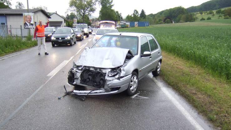 Beide Fahrer mussten nach der Kollision ins Spital gebracht werden (Symbolbild)