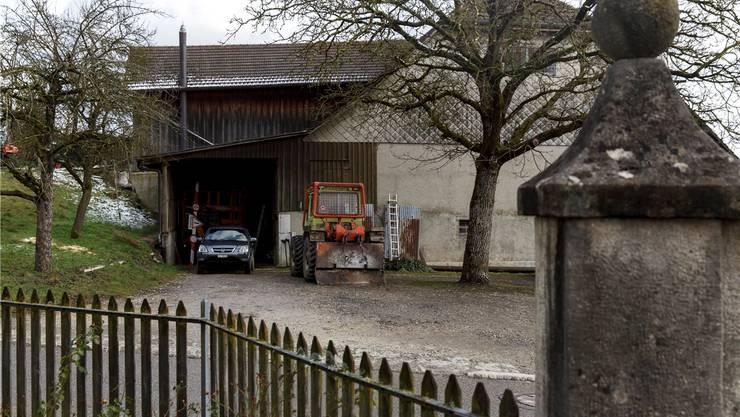 Die Heizzentrale des Wärmeverbundes soll im Anbau links des Bauernhauses Hauptstrasse 36 eingerichtet werden.