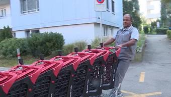 """In Spreitenbach beim Shoppi Tivoli fehlen jeden Abend um die 100 Einkaufswagen. Nun will man die """"Wägeli-Diebe"""" ausfindig machen und anzeigen."""