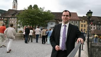 Ulrich Krieger ist seit dem 1. März 2009 Bürgermeister der Stadt Laufenburg-Baden in Deutschland. Er ist 26 Jahre alt, ledig und parteilos. Krieger ist der jüngste Bürgermeister in Baden-Württemberg. Aufgewachsen ist er in Grafenhausen im Hochschwarzwald. An der Hochschule für öffentliche Verwaltung in Kehl absolvierte er ein Studium zum Diplom-Verwaltungswirt. Danach arbeitete er am Landratsamt Waldshut im Personal- und Finanzbereich. (psc)