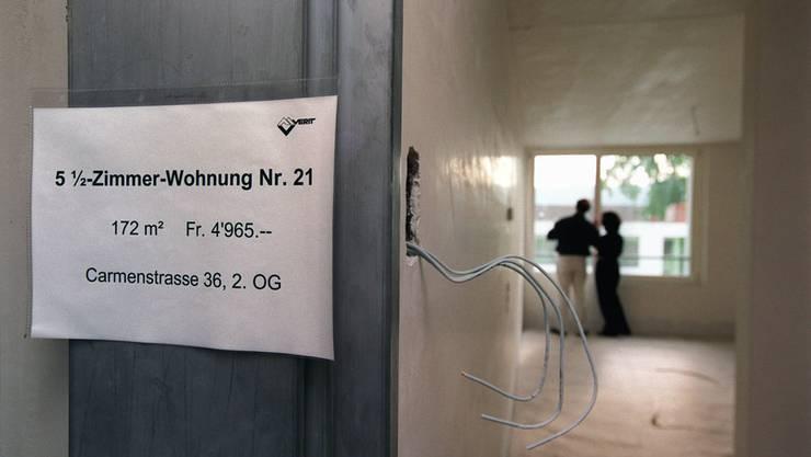 Laut einer Studie sind in der Schweiz 40 Prozent der Mietpreise zu hoch.