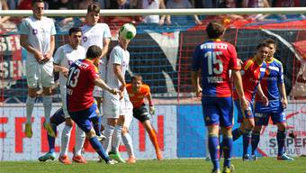 Sein 108. und letztes Tor für den FCB: Alex Frei verwandelt in der 58. Minute gegen den FCZ einen Freistoss zum 1:1. Patrick Straub/key
