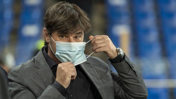 Ciriaco Sforza und sein FCB konnten am Sonntag nicht in Zürich zum Klassiker antreten. Schuld war ein positiver Coronatest eines Spielers.