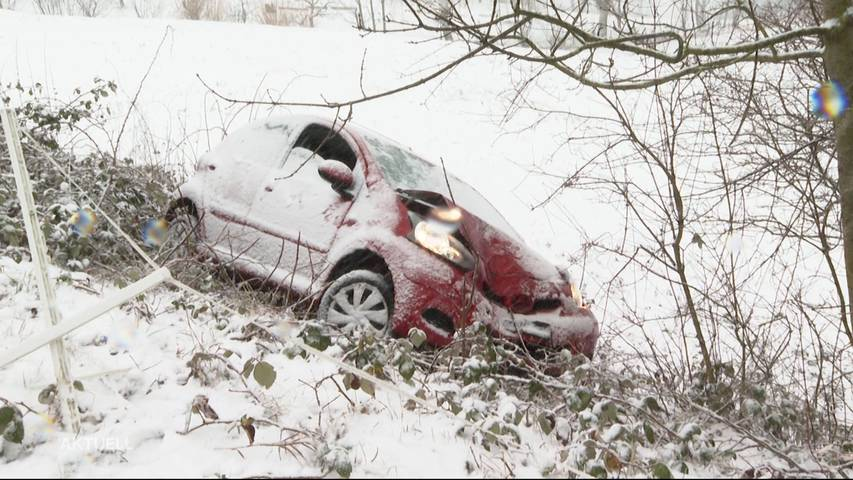 Schneefall sorgt für zahlreiche Unfälle im Mittelland