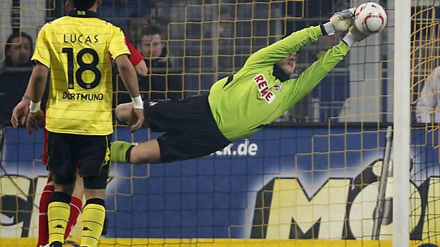 Glanzparade von Köln-Hüter Michael Rensing gegen Dortmund