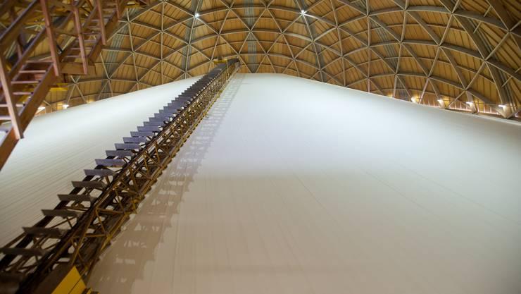 Rund 135 000 Tonnen Salz liegen in den Lagern der Rheinsaline zurzeit bereit.