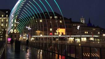 Es leuchtet und strahlt: Weihnachtsbeleuchtungen grösserer Schweizer Städte im Direktvergleich.
