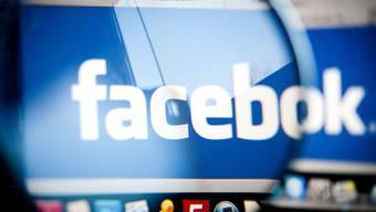 Facebook verkaufte seine Aktien zum anvisierten Höchstpreis (Symbobild)