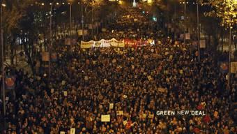 Zum Auftakt des Klimagipfels in Madrid gab es am Freitag eine grosse Protestaktion. EPA/Javier Là3pez