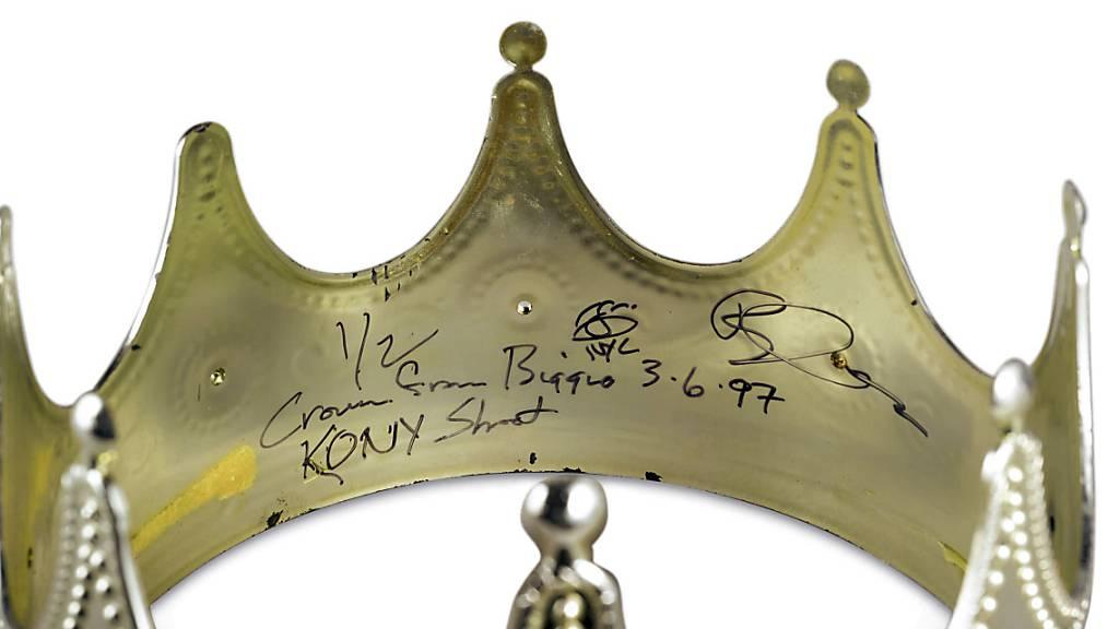 Plastik-Krone von Notorious B.I.G. für 600'000 Dollar versteigert