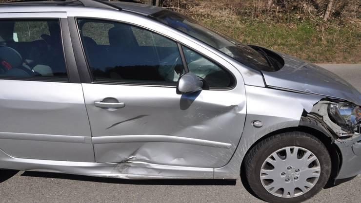 An den beiden Fahrzeugen entstand ein Schaden in der Höhe von mehreren tausend Franken.