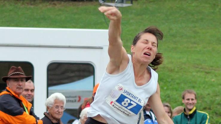 Zweimal Bronze für Claudia Bosshard-Baumann vom TV Birmensdorf mit dem 6-kg- und dem 12,5-kg-Stein.