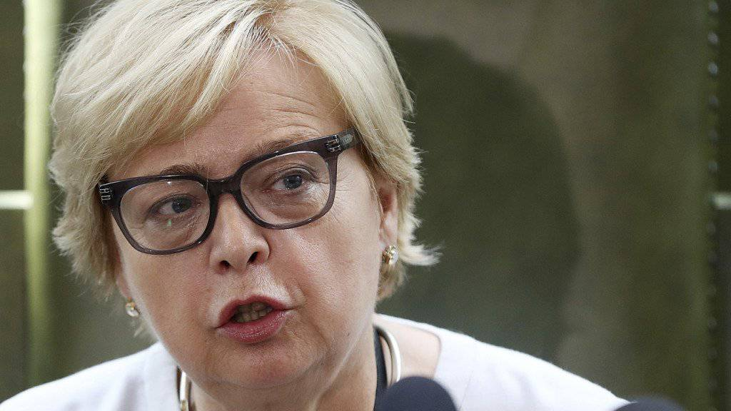 Die Präsidentin des Obersten Gerichtshofes in Polen, Malgorzata Gersdorf, hat die zwangspensionierten Richter zurück in den Dienst gerufen. Die kämpft seit Beginn der umstrittenen Zwangspensionierungen gegen das entsprechende Gesetz. (Archiv)