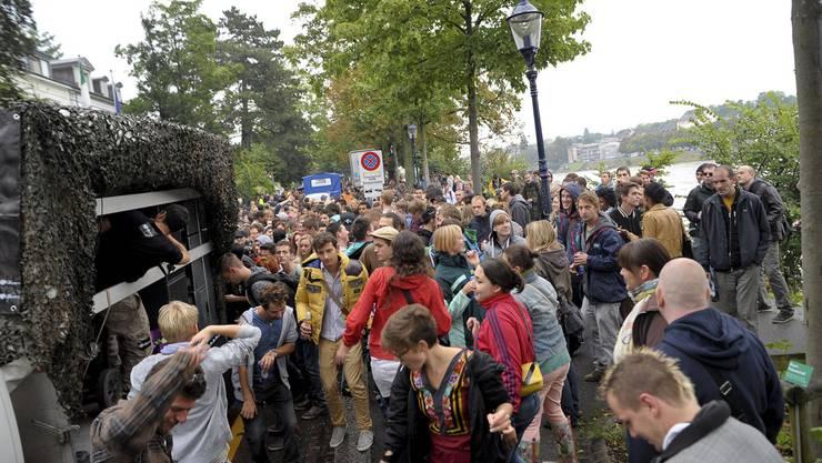 Der Jungle Street Groove 2012 startet am Schaffhauserrheinweg und führt dem Rhein entlang zum Klingental.