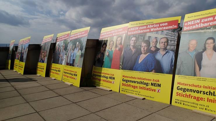 Mit zehn Plakatsujets, die betroffene Personene zeigen, steigt der Mieterverband in den Abstimmungskampf.