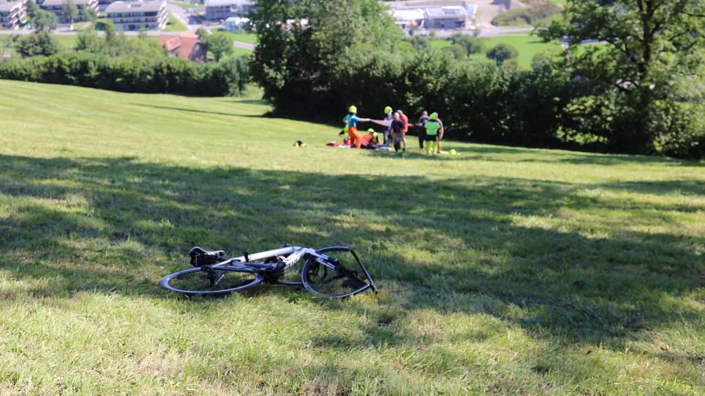 Velofahrer bei Selbstunfall schwer verletzt