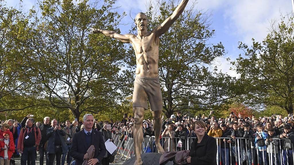 Ibrahimovic weihte Statue in Heimatstadt Malmö ein