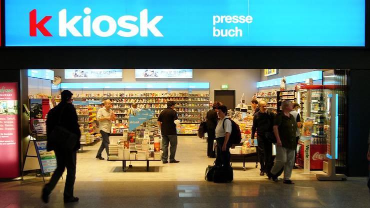 Die Valora AG verkauft die Hefte in ihren «Press & Books»-Läden.