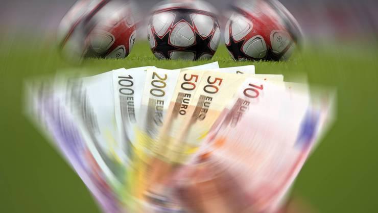 Geld regiert die Welt - und führt zu kriminellen Machenschaften. Auch im Fussball.