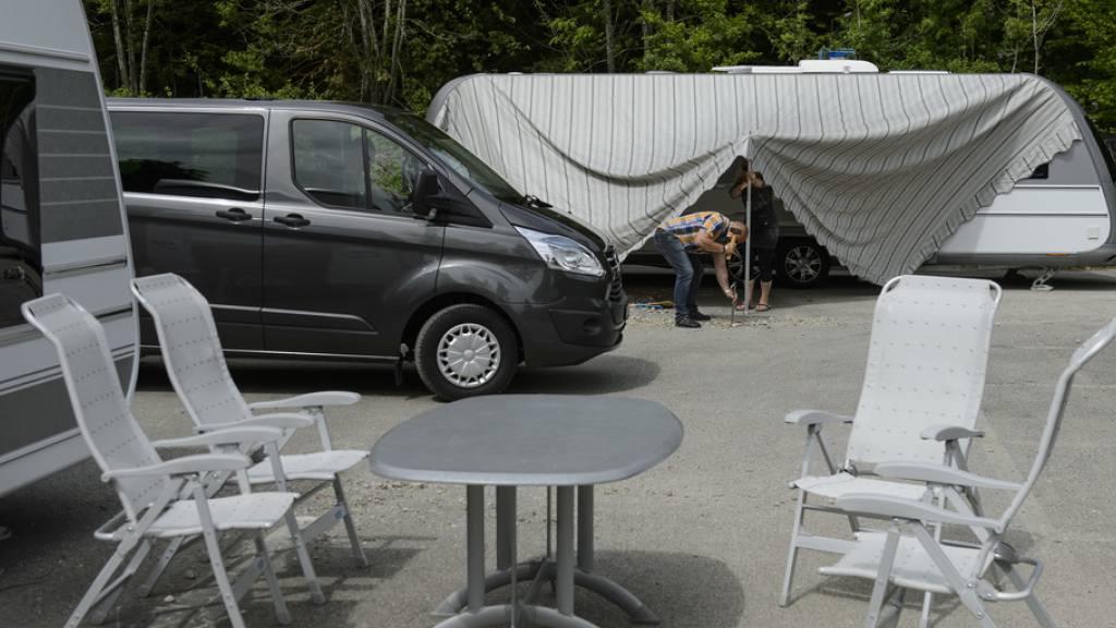 Vipern verhindern Halteplatz für Fahrende in Neuenburg