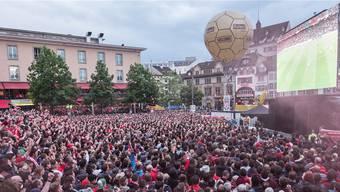 Nicht nur der Barfi war während des Europa-League-Finals voll: der Anlass füllte auch die Basler Hotels. Kenneth Nars