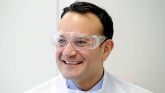 Irlands Regierungschef Leo Varadkar hat sich wieder als Arzt registrieren lassen. Er will so einen Beitrag zur Bekämpfung des Coronavirus leisten.
