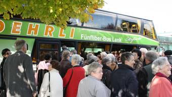 Mit dem Bus zu den städtischen Altersinstitutionen.