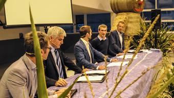 Matthias Müller, Leiter Landwirtschaft Aargau, Christian Hofer, Vizedirektor Bundesamt für Landwirtschaft, Ralf Bucher, Podiumsleiter, Raphael Müller, Agricon, Franz Hagenbuch, Landwirt Rottenschwil (von links).