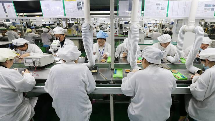 Chinesische Arbeiterinnen in einer Fabrik in Huaibei, Zentralchina (Archivbild).
