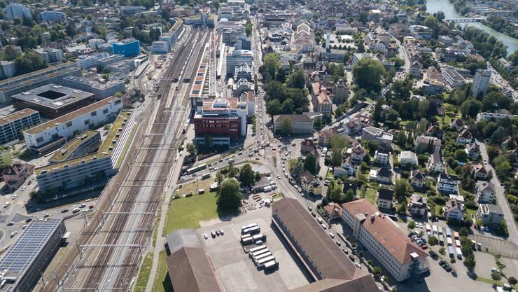 Montags um 16 Uhr erreichte die Rush Hour ihren Höhepunkt: Der Verkehr staute sich vom Autobahnzubringer bis zum Kunsthaus.