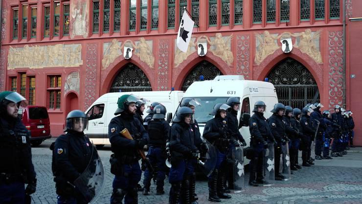 Die wohl kleinste Pegida-Demonstration Europas machte 2016 ein Grossaufgebot der Polizei notwendig.