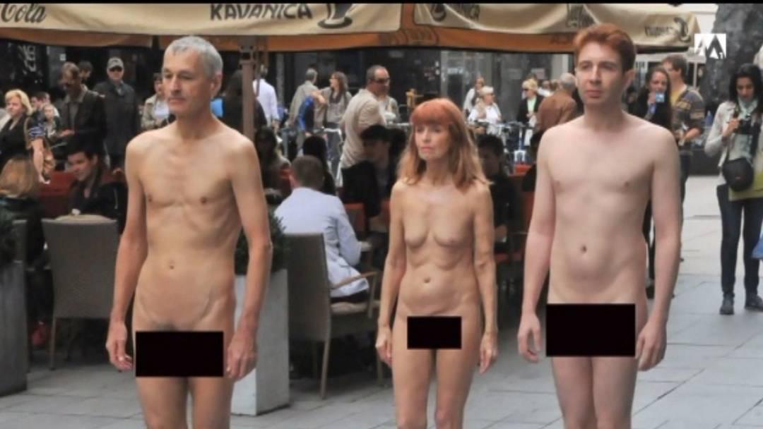 Nackt durch Zagreb – Schweizer Künstler für Aktion gebüsst