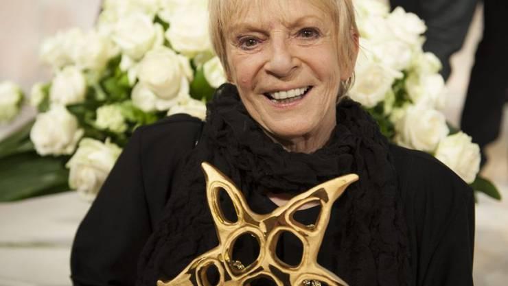 Ursula Schaeppi 2013 mit ihrem Ehren-Prix Walo. Heute wird sie 75. (Archiv)
