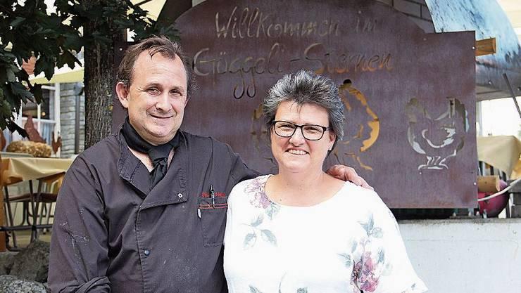 Thomas und Esther Schäublin vom Restaurant Güggeli Sternen haben den Aussenbereich neu gestaltet.