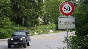 Das «Tempo 50»-Schild bei der Einfahrt von Feldbrunnen-St. Niklaus wird bald einem anderen weichen müssen.