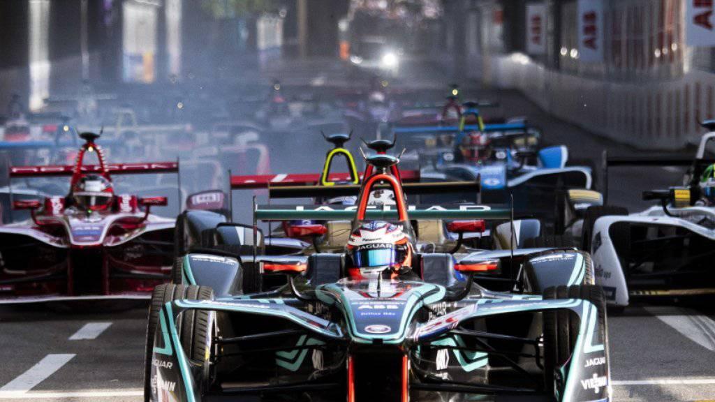 Pole-Mann Mitch Evans führt das Formel-E-Feld in die erste Kurve