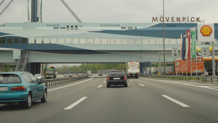 Testf Baden - Thalwil Bild 2 Raststätte Mövenpick Würenlos Autobahn Autobahnraststätte Autobahnrestaurant Fressbalken 29.04.2009