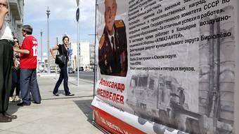 """Wahlplakat in Moskau: Die Zukunft der Meinungsumfragen in Russland ist nach der Einstufung des Lewada-Zentrums als """"ausländischer Agent"""" ungewiss. (Symbolbild)"""