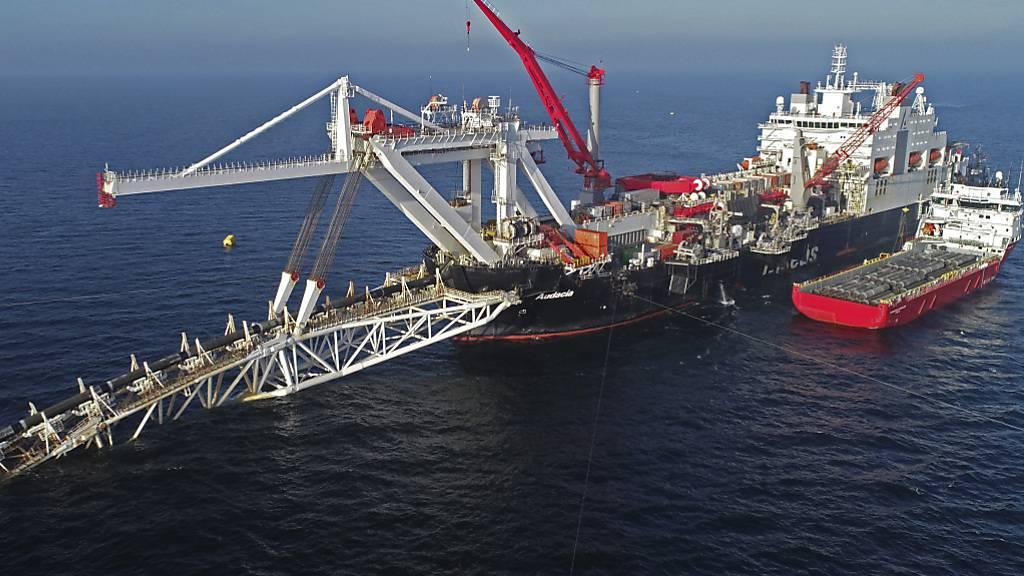 Ein Schiff im Baltischen Meer bei der Arbeit an der neuen Gaspipeline Nord Stream 2 zwischen Russland und Deutschland. (Archivbild)