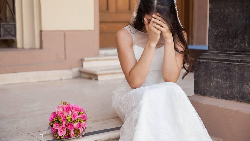 Das Schweizer Gesetz verbietet es, seine Kinder zur Heirat mit einem bestimmten Partner zu zwingen. (Symbolbild)